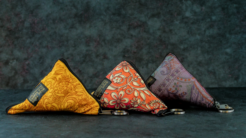 Upcycling Tasche Sari M Dreieck
